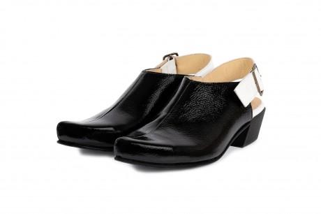 Black closed toe slingbacks