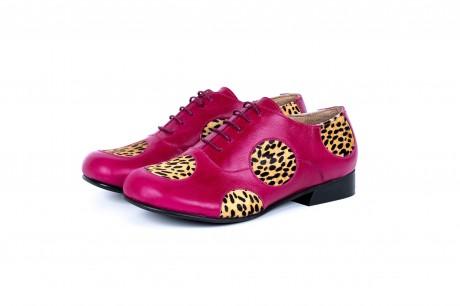 Stylish leopard pink oxfords
