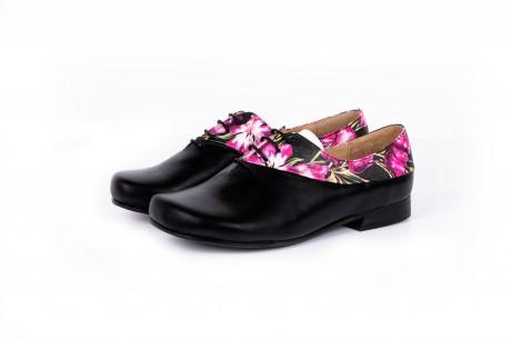 Floral black flat shoes