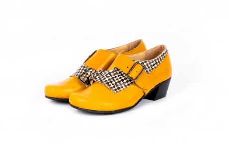 Yellow shoes low heel