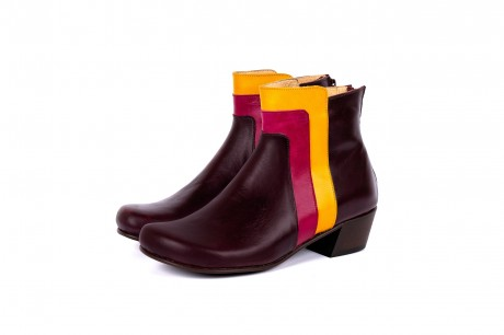 Low heel wide boots purple