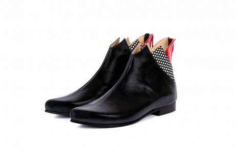 Flat pointy boots black
