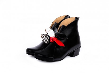Black bow boots