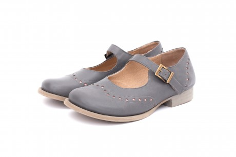 נעלי נשים אפורות