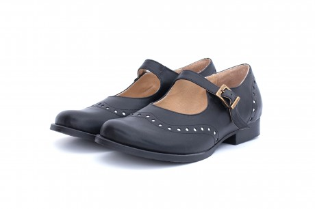 Black Mary Janes women's shoes