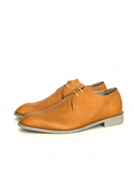 Yellow leather men's shoes