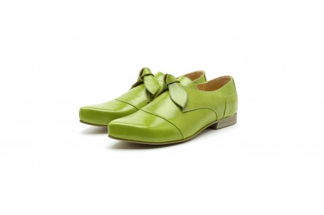 Slip on pointy green shoes