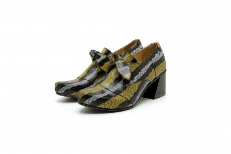Women's funky shoes with block heel and a bow in black and yellow leather