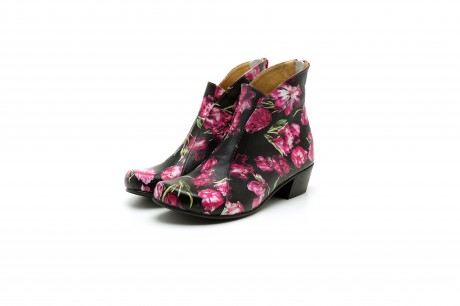 Women's low heel leather boots in black floral leather