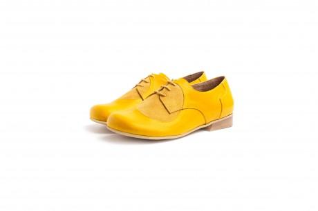 Wide women's shoes yellow