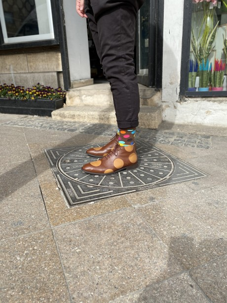 Polka dots men's shoes