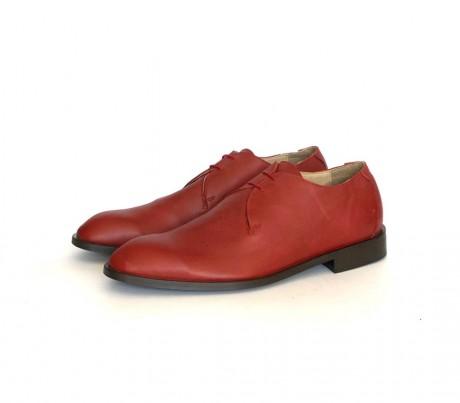 נעלי גברים אדומות