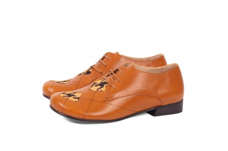 Argyle pattern shoes brown