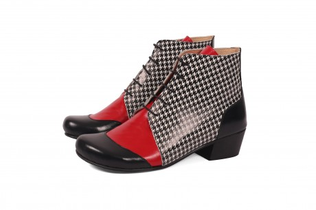 Funky women's boots' lace up low heel boots
