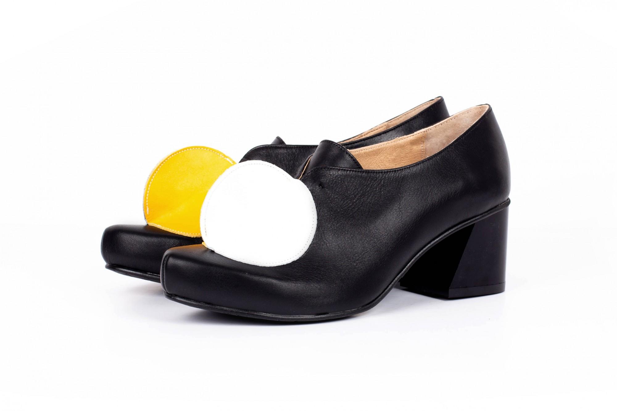 516526319a8 High heel fashion shoes